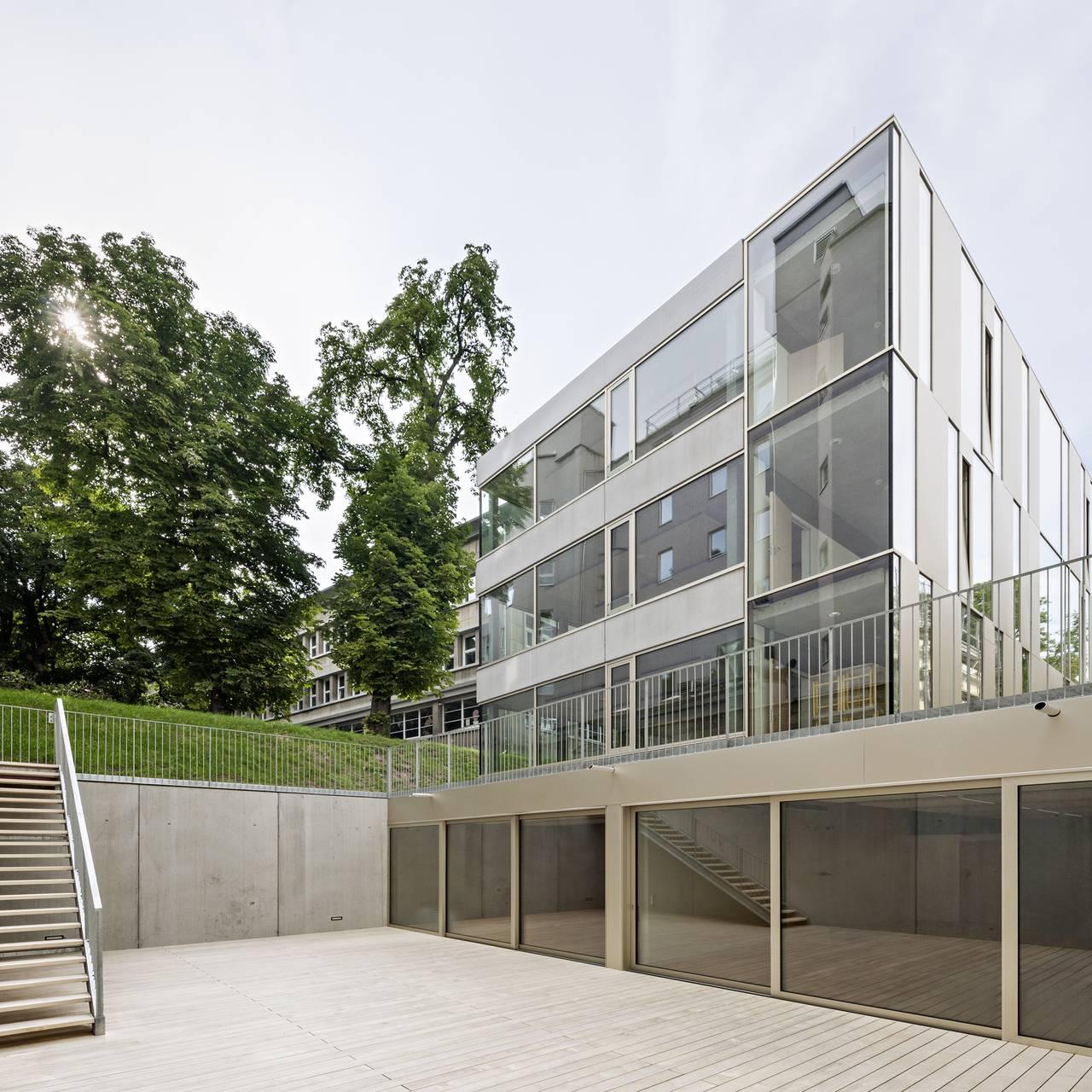 Vista Sur Renovación del Studio Molière y extensión del Liceo Francés de Viena : Photo © Hertha Hurnaus