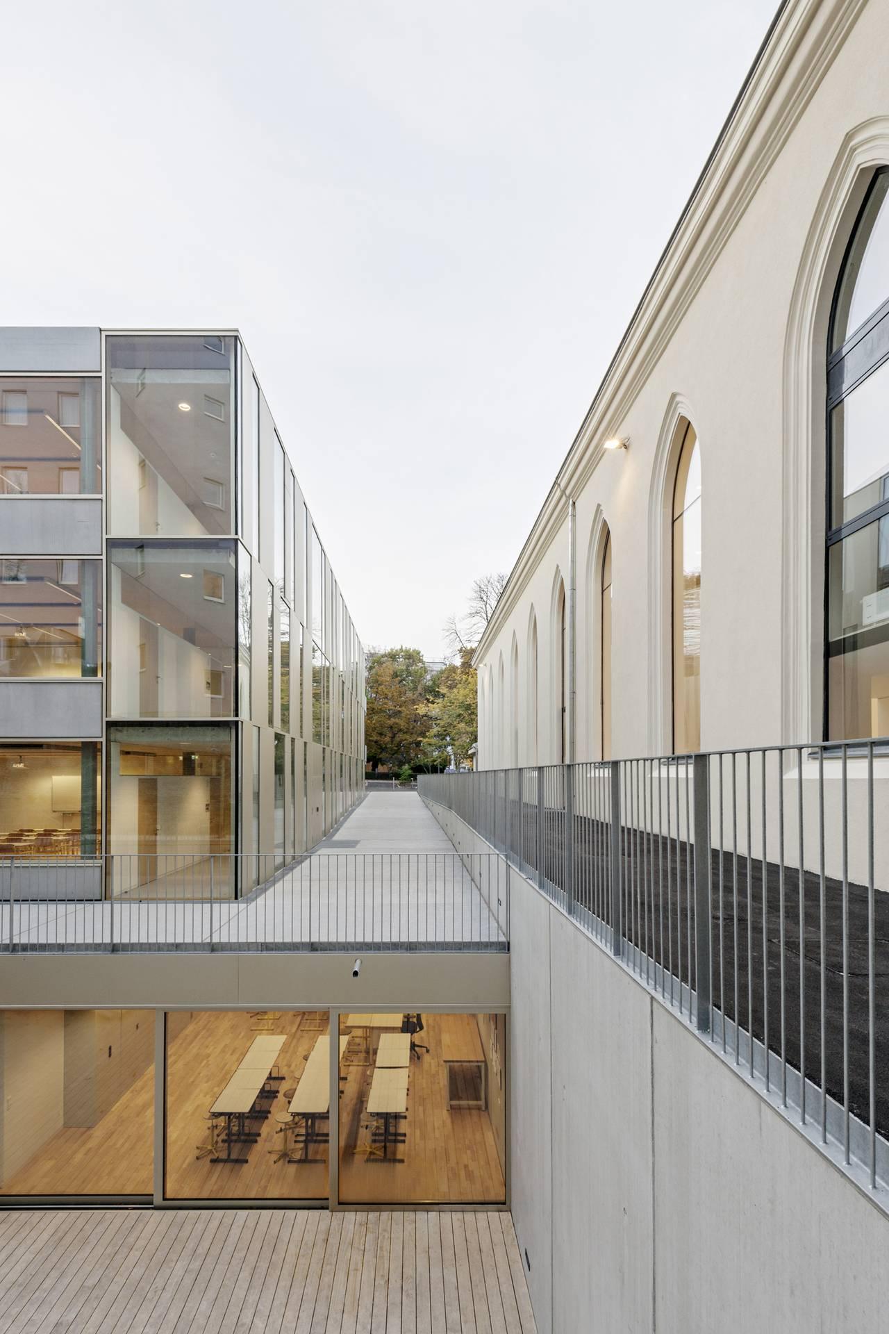 Vista Intermedia Renovación del Studio Molière y extensión del Liceo Francés de Viena : Photo © Hertha Hurnaus