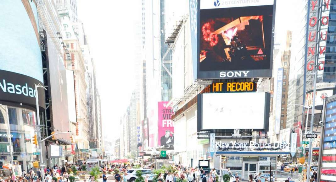 XXX Times Square with Love by J.MAYER.H : Photo © Rob Kassabian