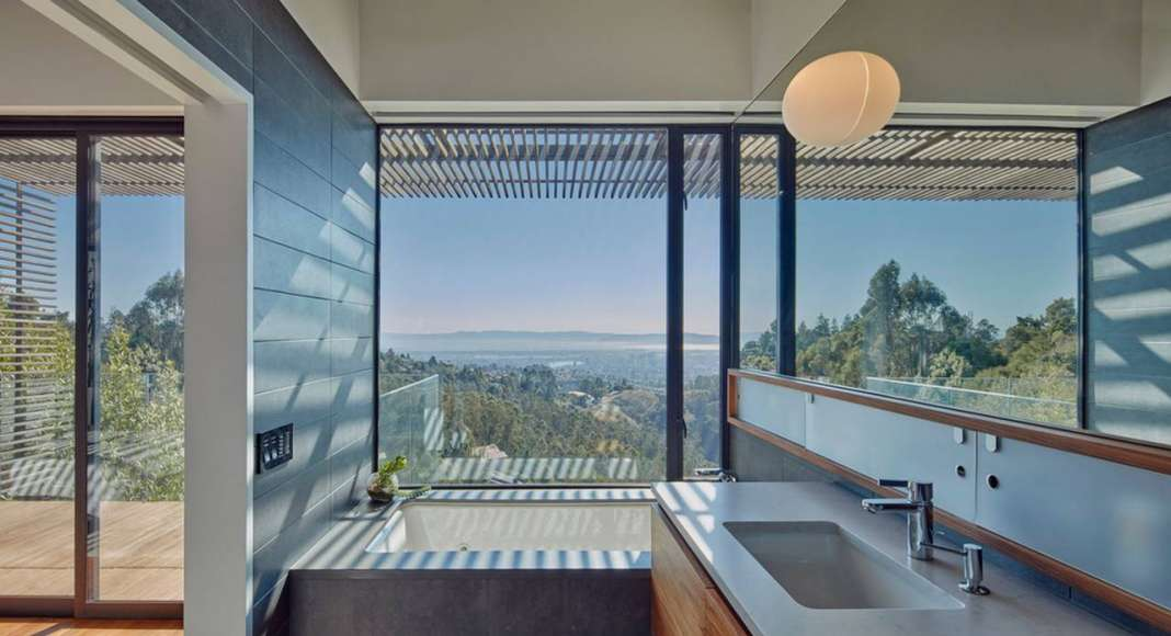 Skyline House Bath 1 Detail by Terry & Terry Architecture : Photo © Bruce Damonte Photography