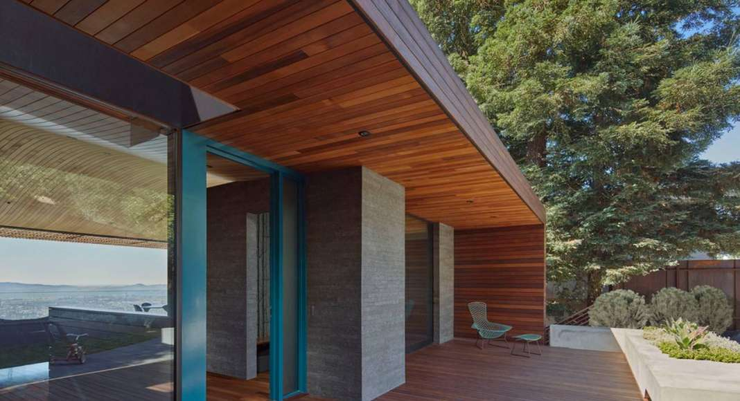Skyline House Entry Deck by Terry & Terry Architecture : Photo © Bruce Damonte Photography