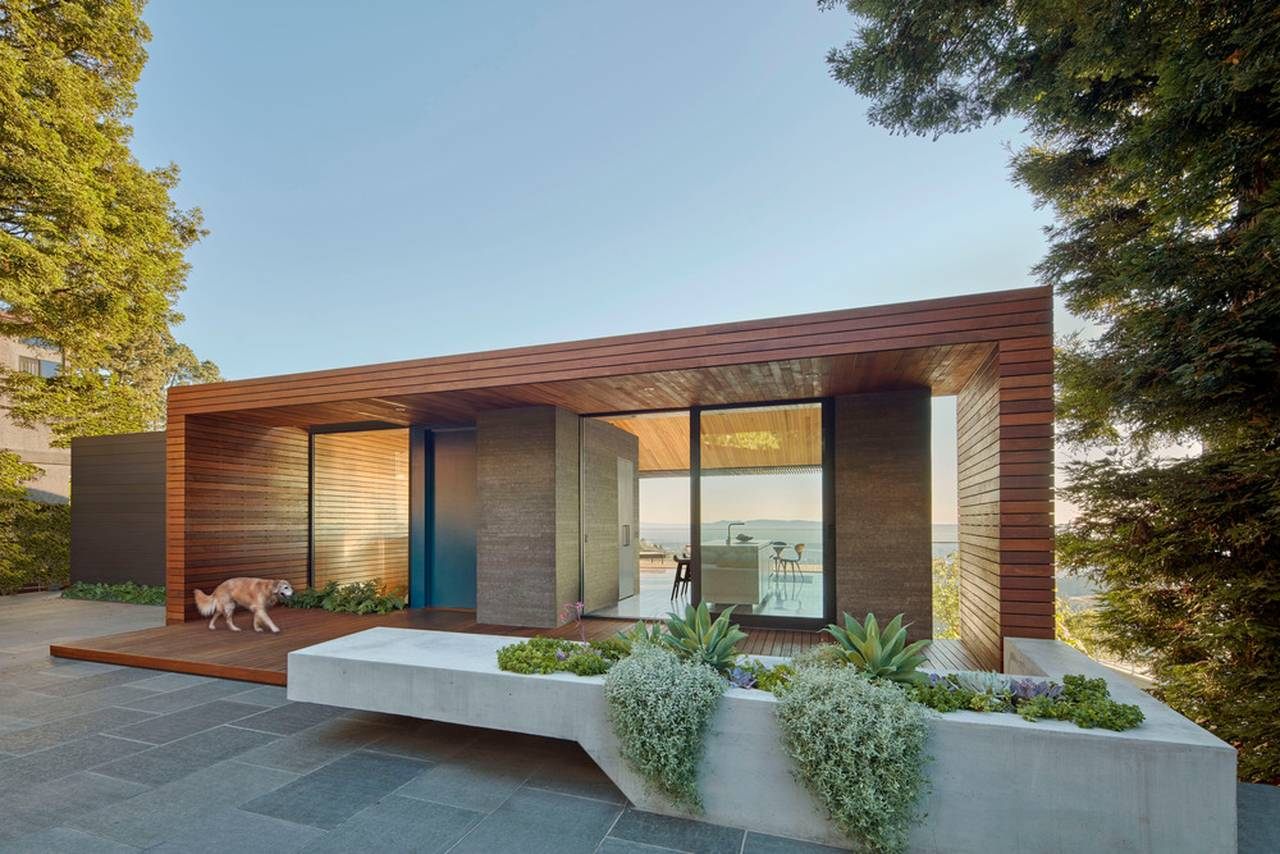 Skyline House Detail of Planter/Seat by Terry & Terry Architecture : Photo © Bruce Damonte Photography