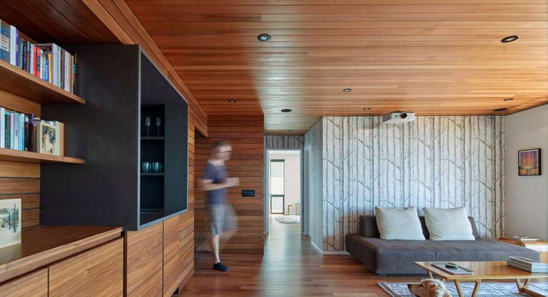 Skyline House Projection Room by Terry & Terry Architecture : Photo © Bruce Damonte Photography