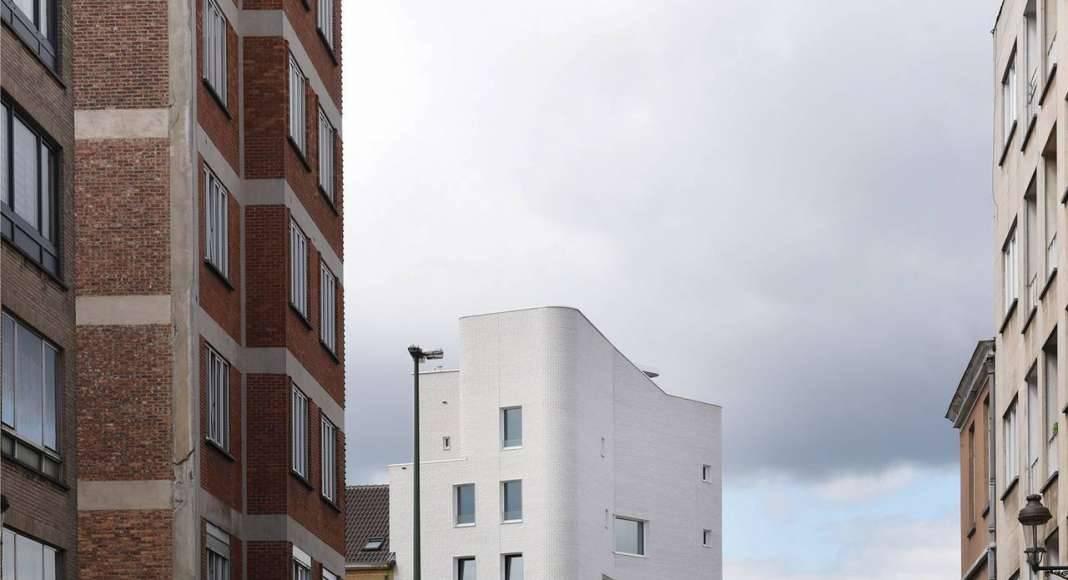 NAVEZ - 5 unidades de vivienda social en la entrada norte de Bruselas by Oficinas: MSA / V+ : Photo © MSA/V+