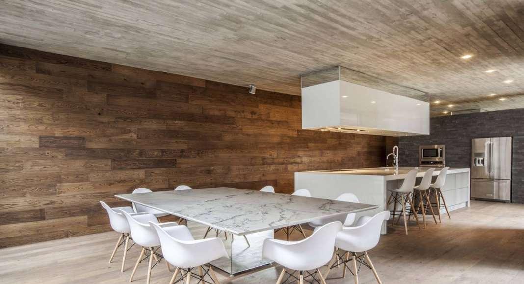 Vista del Comedor de la Casa F12 diseñada por el estudio Miguel de la Torre Arquitectos : Fotografía © Jorge Garrido