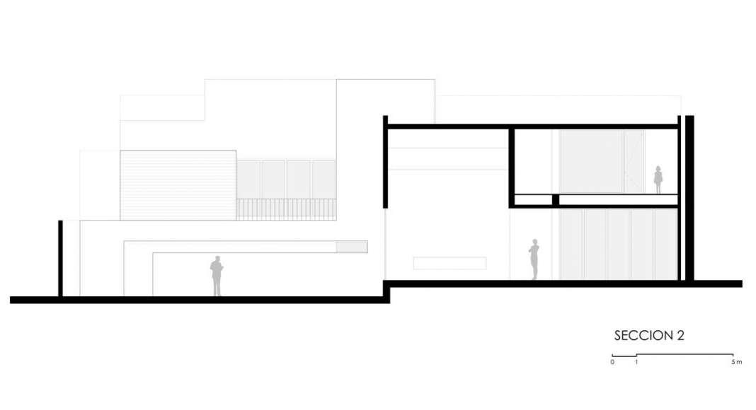 Corte B - B' de la Casa F12 : Plano © Miguel de la Torre Arquitectos