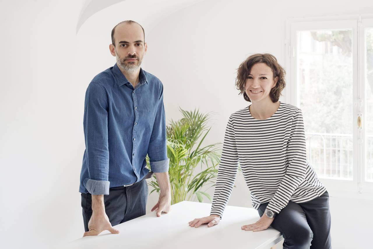 Arquitectos Lavinia Modesti y Javier Deferrari del estudio DEFERRARI+MODESTI : Photo © Anna Positano