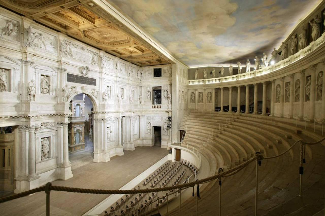 Museo Cívico de Arte de Vicenza - Teatro Olímpico : Fotografía  cortesía de © ALA - Assoarchitetti