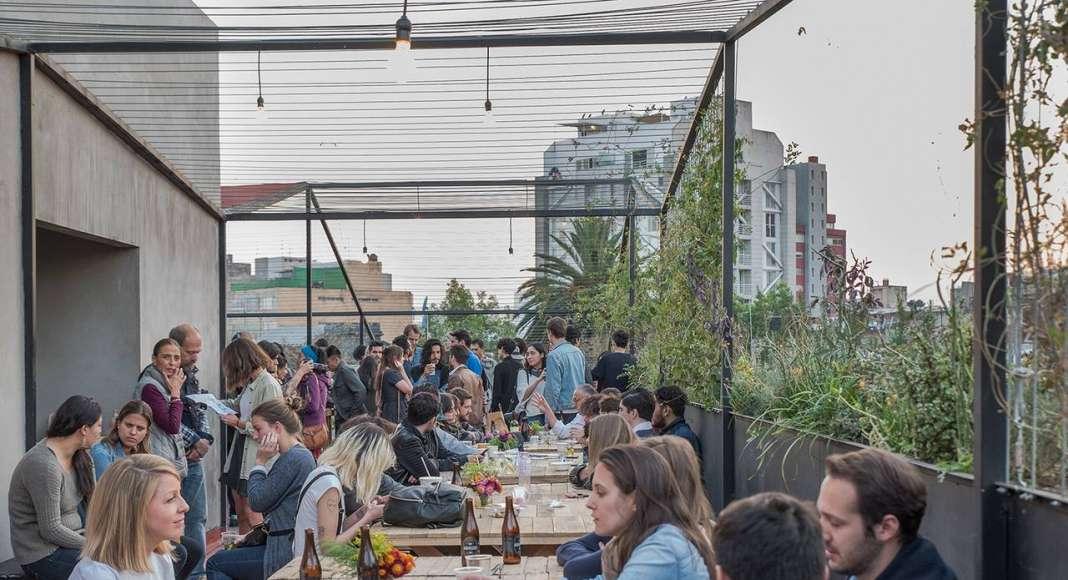 Vista de la Terraza del proyecto Milán 44 ReUrbano diseñado por Francisco Pardo Arquitecto : Fotografía © Diana Arnau