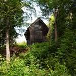 La Colombière en Sutton, Canadá diseñada por YH2 Architecture : Photo credit © Loukas Yiacouvakis