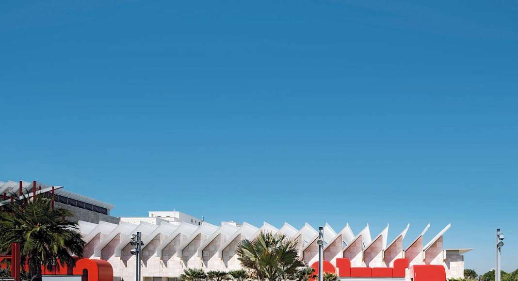 Los Angeles County Museum of Art, Los Angeles, California, United States : Copyright © Renzo Piano Building Workshop, photo Nic Lehoux