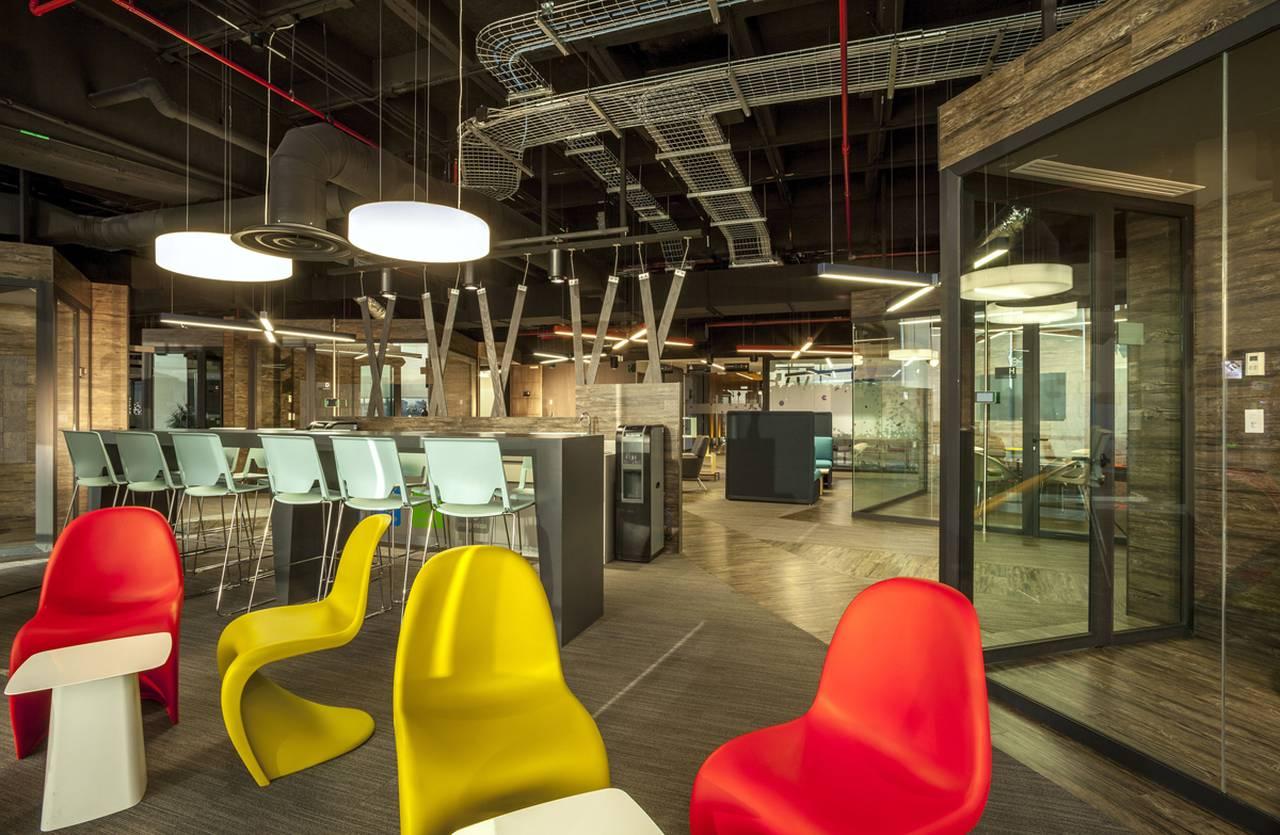 Axa corporativo ciudad de m xico dise ado por space for Axa seguros sevilla oficinas
