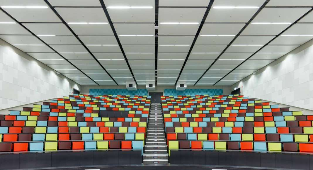 Auditorio C.A.R.L en la Universidad Aachen RWTH diseñado por Schmidt Hammer Lassen Architects : Photo © Michael Rasche