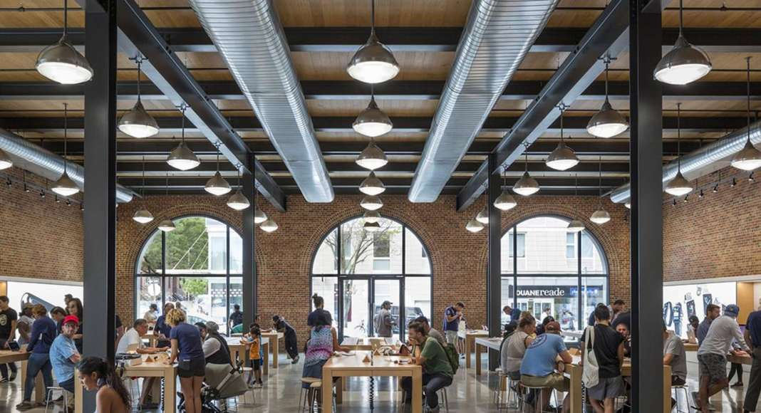 BQDA Commercial - Large Projects People's Choice Award - Apple Store Williamsburg - Bohlin Cywinski Jackson (Brooklyn, NY) : Photo © Peter Aaron