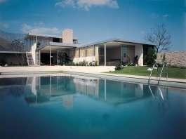 Richard Neutra, Kaufmann Desert House, 1947, Palm Springs, California : Copyright © Julius Shulman Photography, Los Angeles, California/TASCHEN