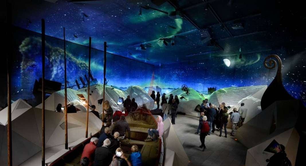West Coast Stories tells 100,000 years of west coast history and is turned into a nighttime 4D theatre twice an hour : Photo credit © Mike Bink Photography