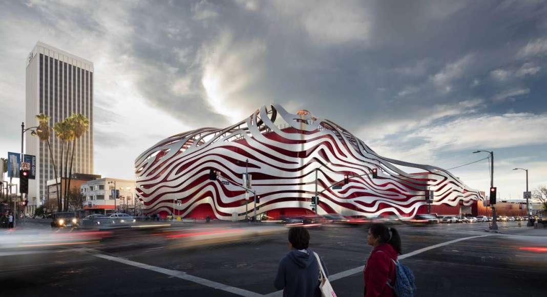 Display - Kohn Pedersen Fox Associates - Petersen Automotive Museum : Photo credit © World Architecture Festival