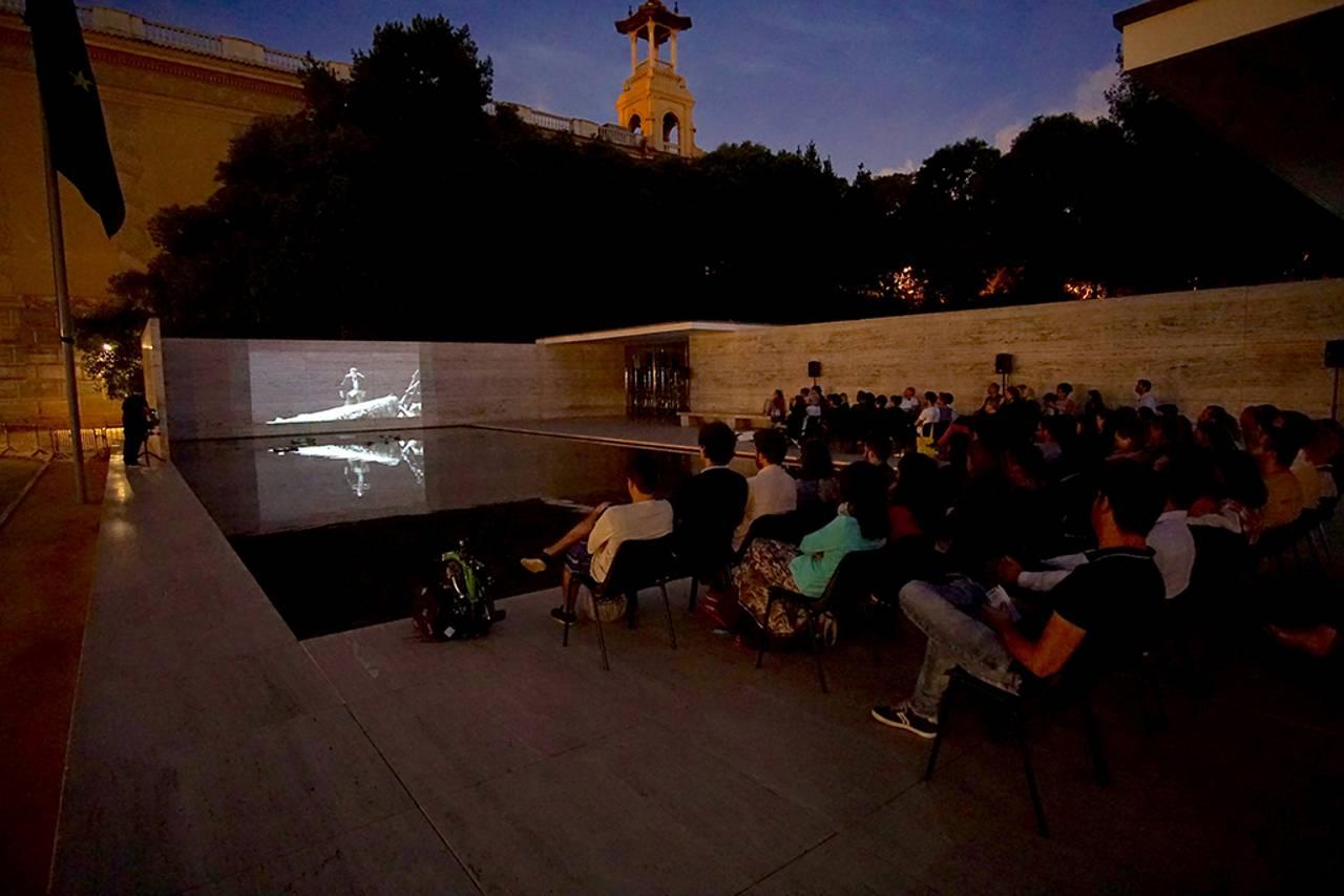 Ciclo de cine PANTALLA PAVELLÓ de la Fundació Mies van der Rohe : Fotografía © Fundació Mies van der Rohe