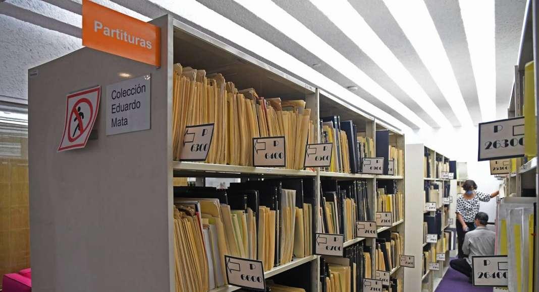 La Biblioteca de las Artes del CENART cuenta con un catálogo automatizado : Fotografía © FSM / Conaculta