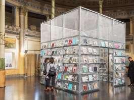 PRESS BOX: un kiosco pop-up de trama metálica diseñado por SET Architects : Fotografía © Marco Cappelletti