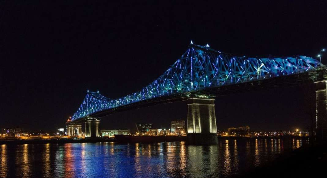 Jacques Cartier Bridge Interactive Illumination_Living Connections : Photo credit © Moment Factory
