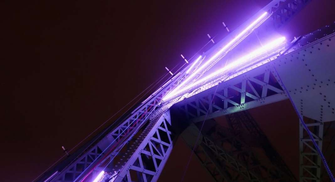 Jacques Cartier Bridge Interactive Illumination_LED Technology : Photo credit © Moment Factory
