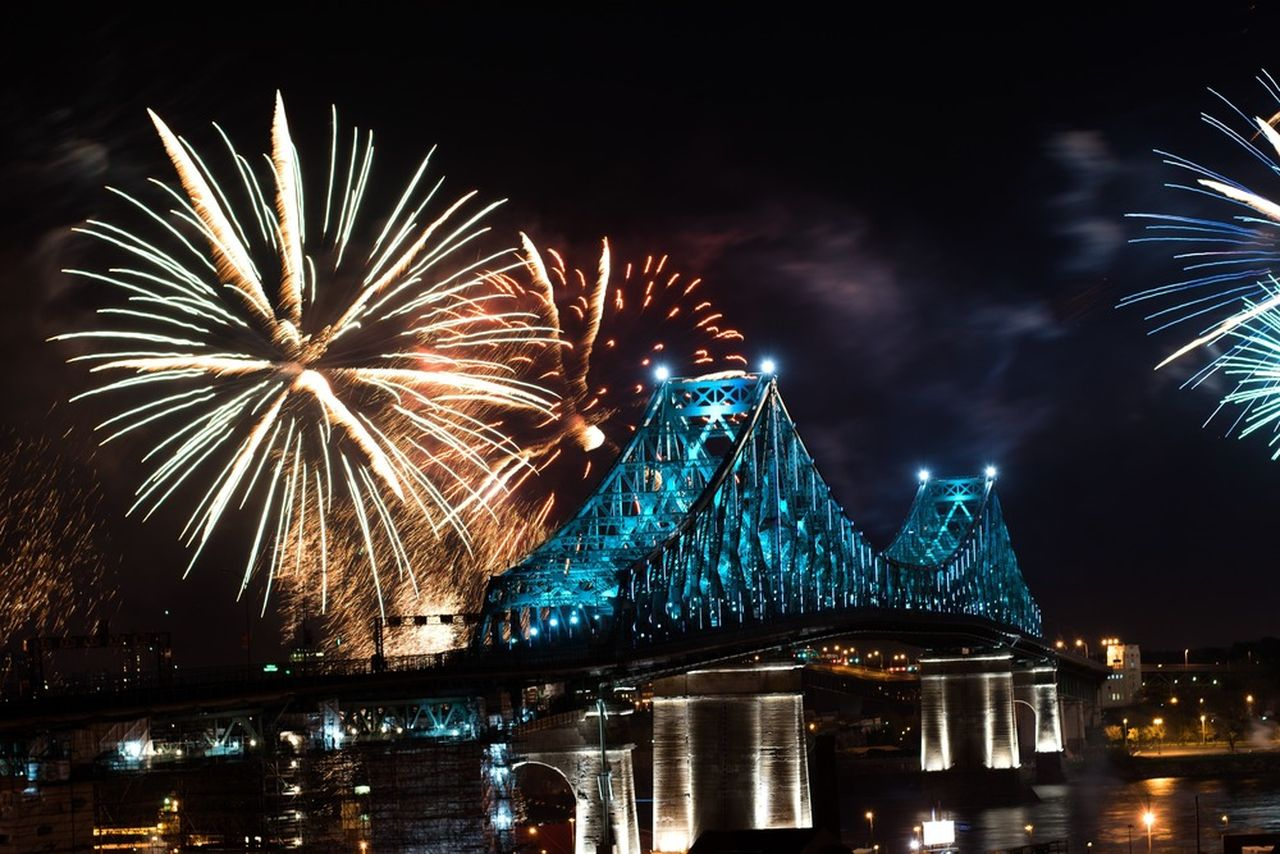 Jacques Cartier Bridge Interactive Illumination_Inaugural Show May 17 2017 : Photo credit © Moment Factory