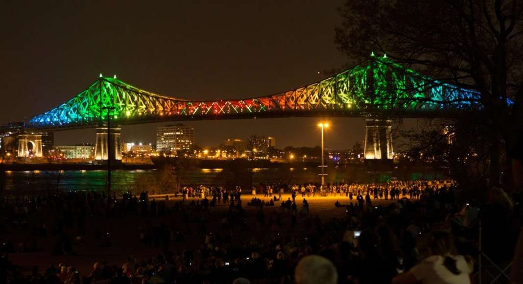 Jacques Cartier Bridge Interactive Illumination_Inaugural Show May 17 2017 : Photo credit © Martine Doyon