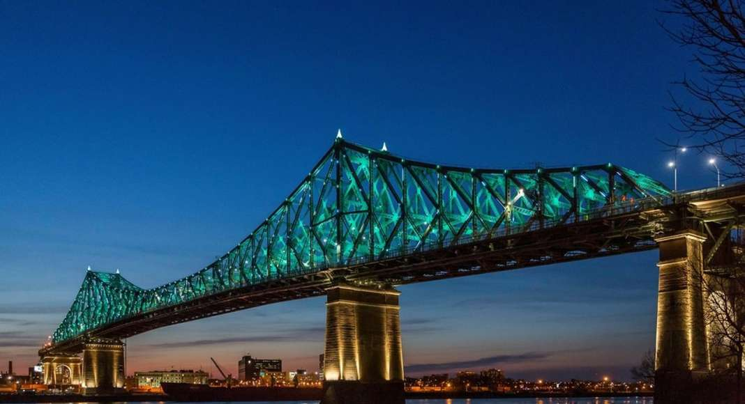 Jacques Cartier Bridge Interactive Illumination_Living Connections : Photo credit © The Jacques Cartier and Champlain Bridges Incorporated (JCCBI)