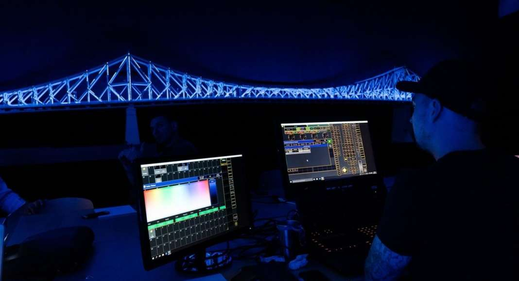 Jacques Cartier Bridge Interactive Illumination_Behind The Scenes : Photo credit © Moment Factory
