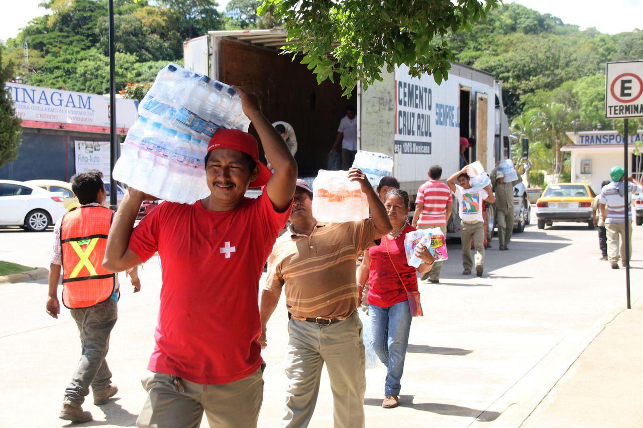 Cooperativa La Cruz Azul a través de su Fundación apoya a daminificados del Terremoto : Fotografía © La Cooperativa La Cruz Azul