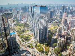 Aerial view of São Paulo Corporate Towers nearing completion in 2016 : Photo credit courtesy of © Eduardo Lazzarini