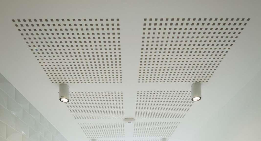 La Barquière Entrance hall, with the terrazzo detail on the ground diseñado por PietriArchitectes : Photo credit © Mathieu Ducros