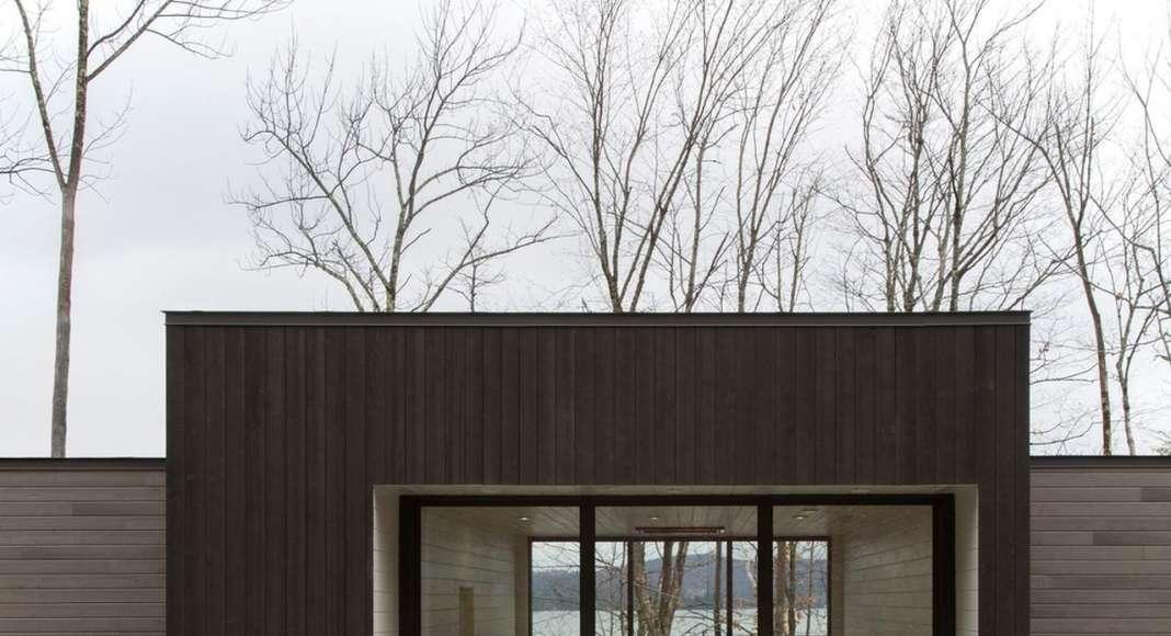Chalet Bécassines Hall in Mansonville diseñada por Atelier BOOM-TOWN : Photo credit © Steve Montpetit